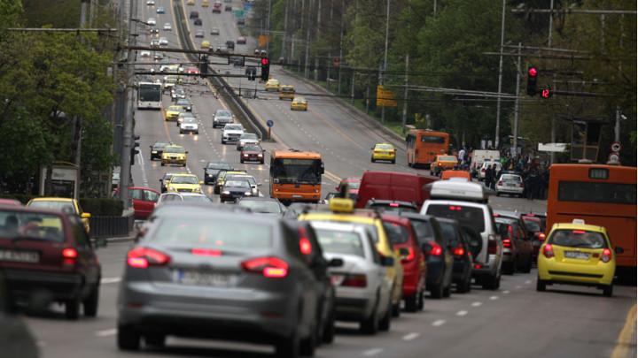 шофиране в натоварена пътна обстановка